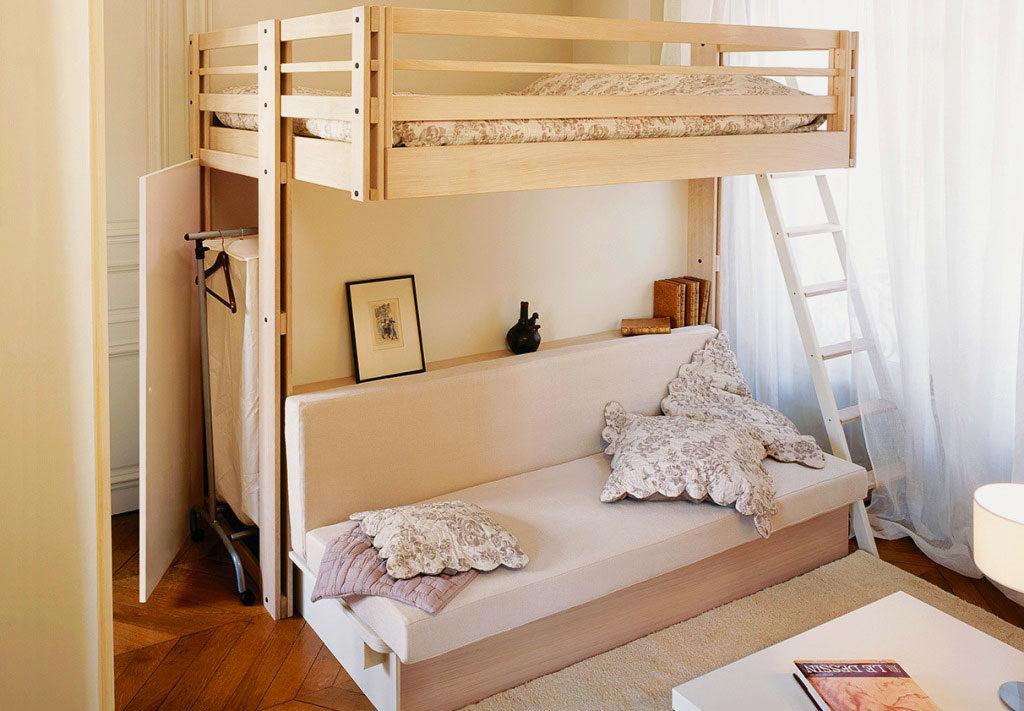 Двуспальная кровать-чердак с диваном внизу