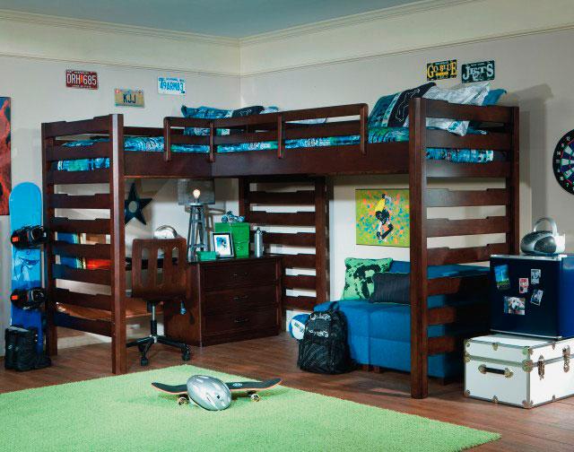 Угловая кровать-чердак с двумя спальными местами вверху