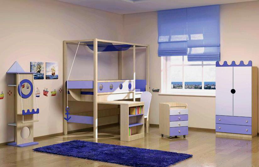 Низкая кровать-чердак для мальчика с выдвижным столом
