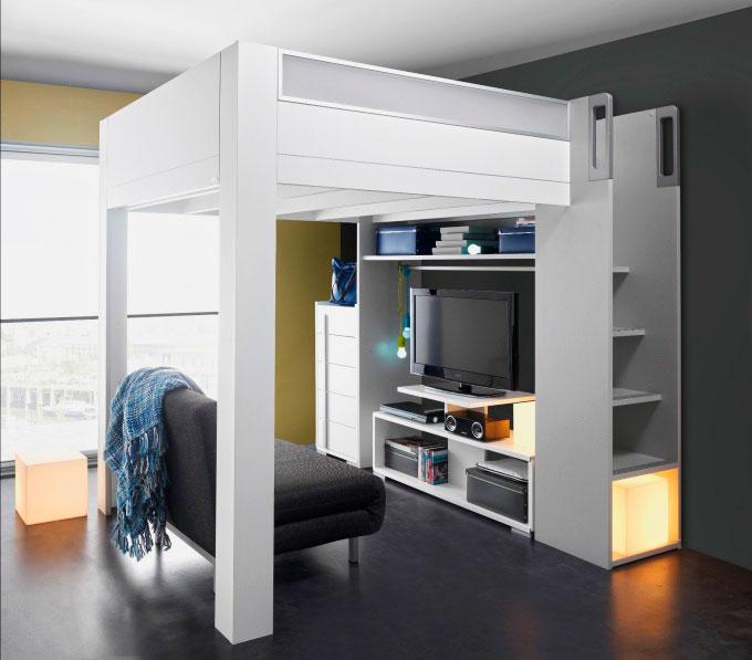 Двуспальная кровать-чердак с зоной отдыха и телевизором