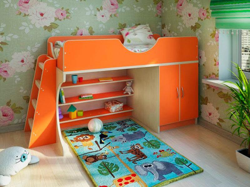Кровать-чердак для детей с низкорасположенным спальным местом с игровой зоной, шкафом для вещей