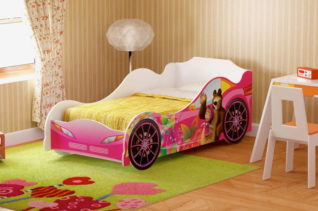Кровать в виде машины с боками из ДСП