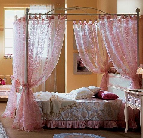 Кровать с балдахином на металлическом каркасе для девочки подсростка