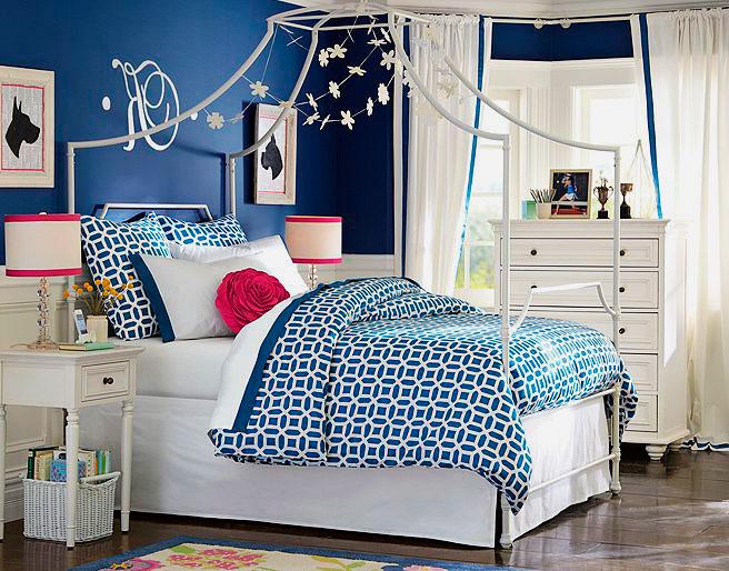Высокая металлическая кровать для девочки подростка