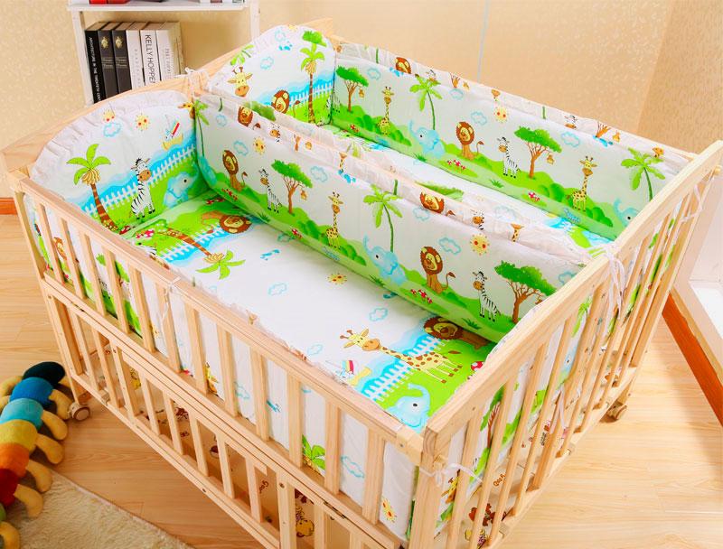 Смежная кроватка для двойни с мягкими накладками на бортиках