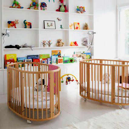 Две овальные кроватки для младенцев