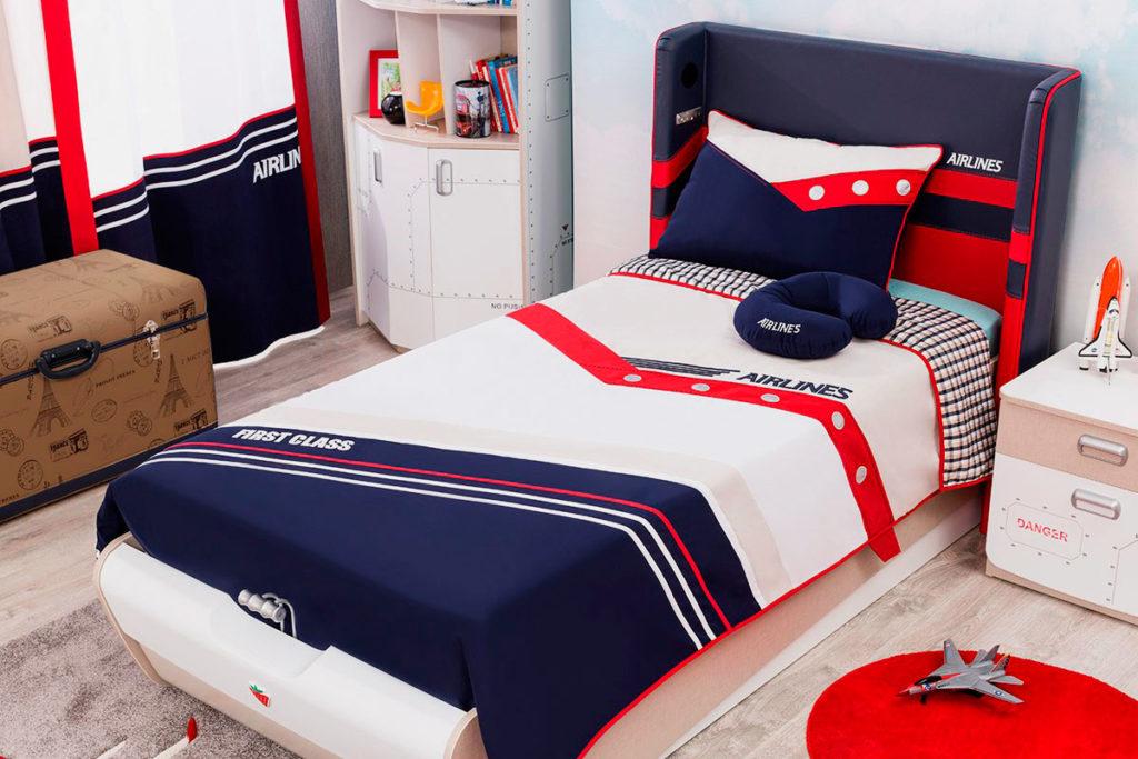 Стильная кровать для мальчика подростка в интерьере комнаты