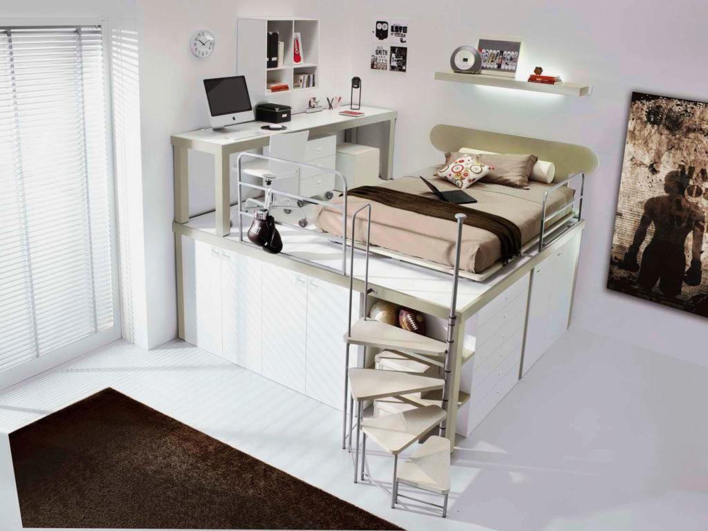 Кровать на высоком подиуме в комнате мальчиков подростков