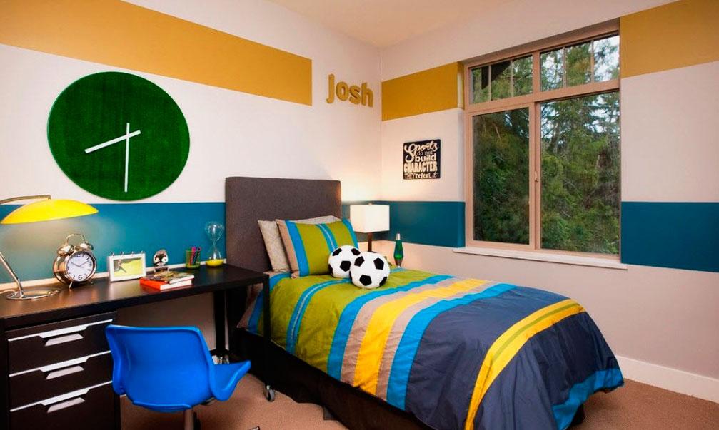 Фото кровати классической конструкции в интерьере комнаты мальчика подростка