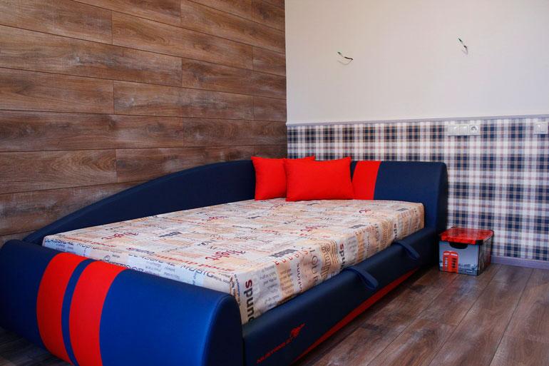Стильная кровать для мальчика подростка с ортопедическим матрасом