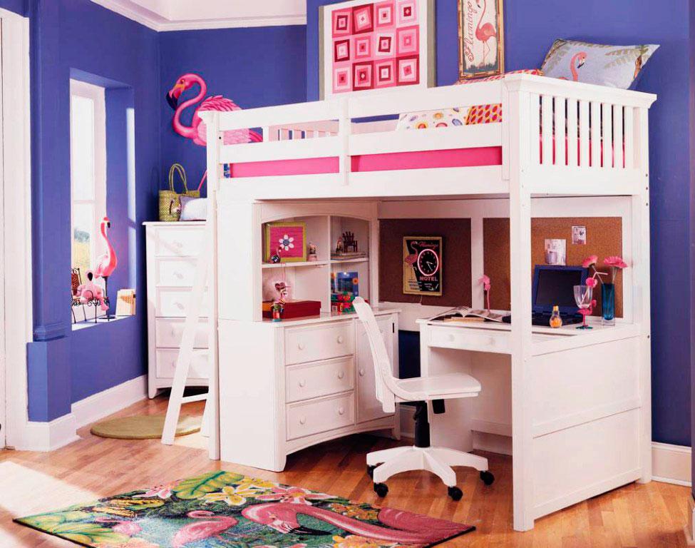 Интерьер комнаты девочки с кроватью-чердаком