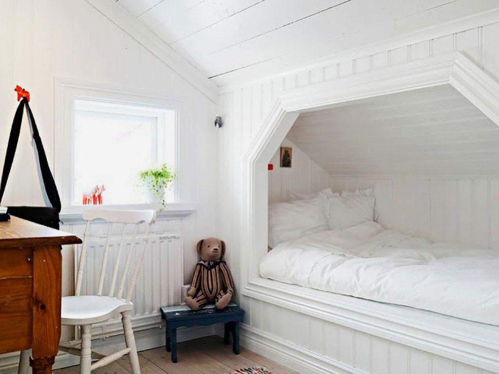 Фото детской комнаты со встроенной в нише кроватью
