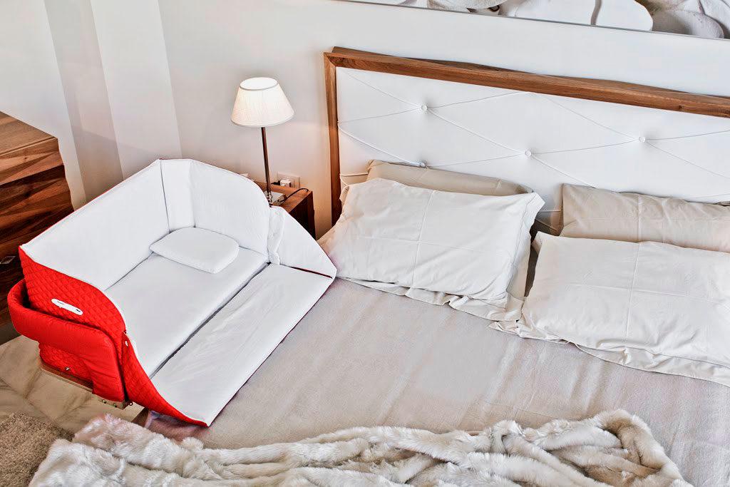 Приставная кроватка для младенцев