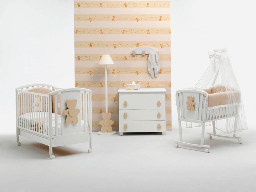 Две кроватки для новорожденных