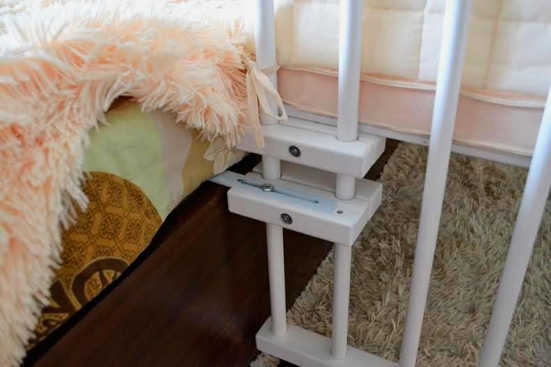 Крепление приставной детской кровати