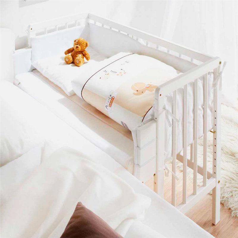 Фото спального места приставной кроватки для младенцев