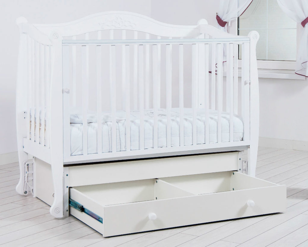 Кровать для новорожденного с выдвижным ящиком внизу и системой качания - маятник