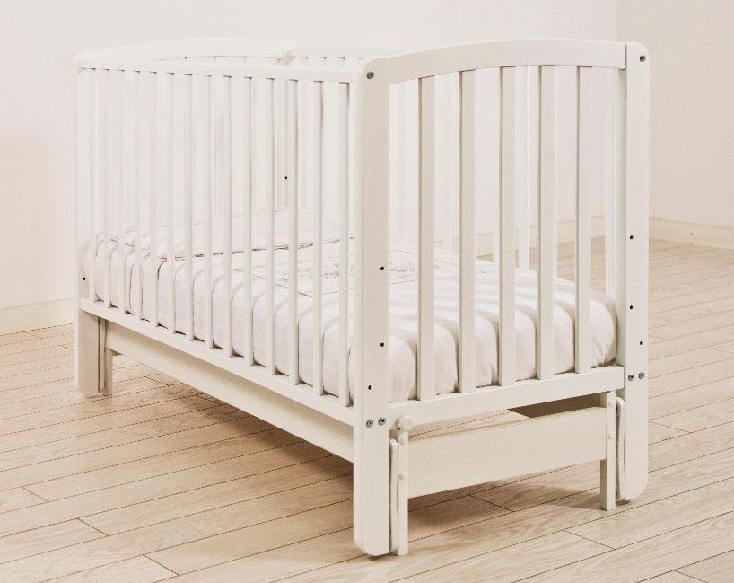 Белая детская кровать для новорожденных с системой качания