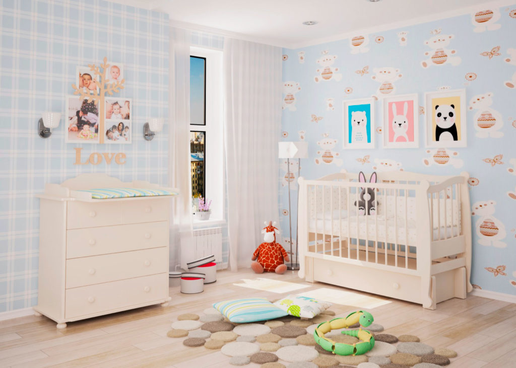 Детская кроватка с маятником в интерьере комнаты