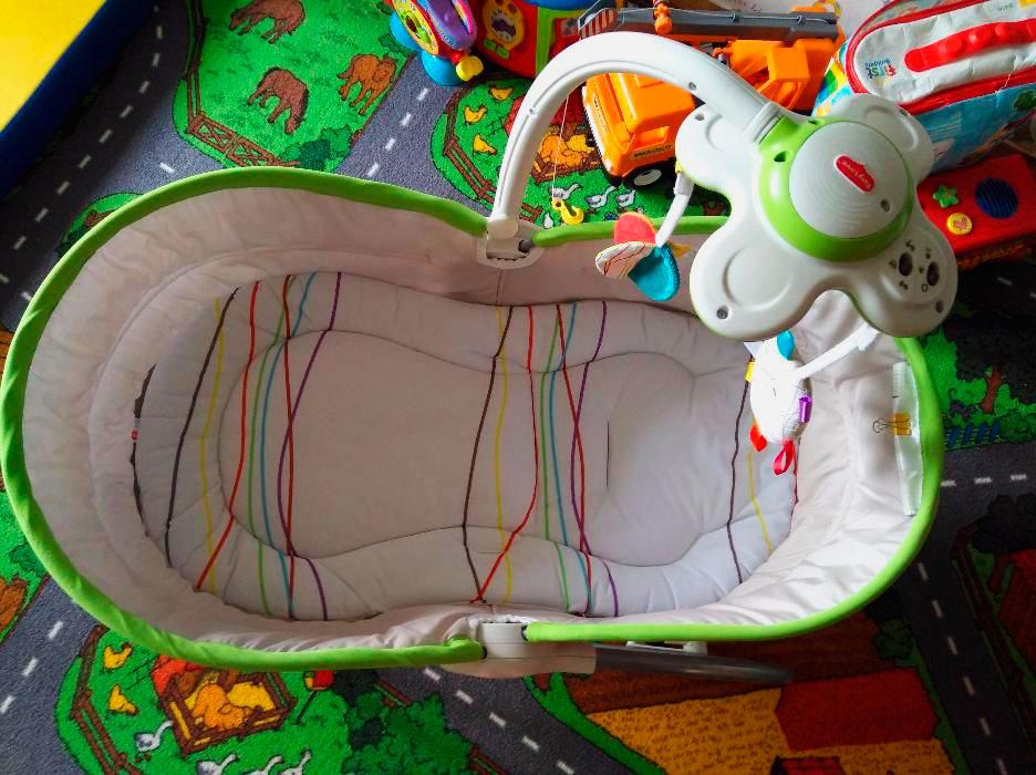Фото спального места люльки-качалки для новорожденных
