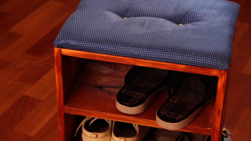 Фото пуфика с полкой для обуви