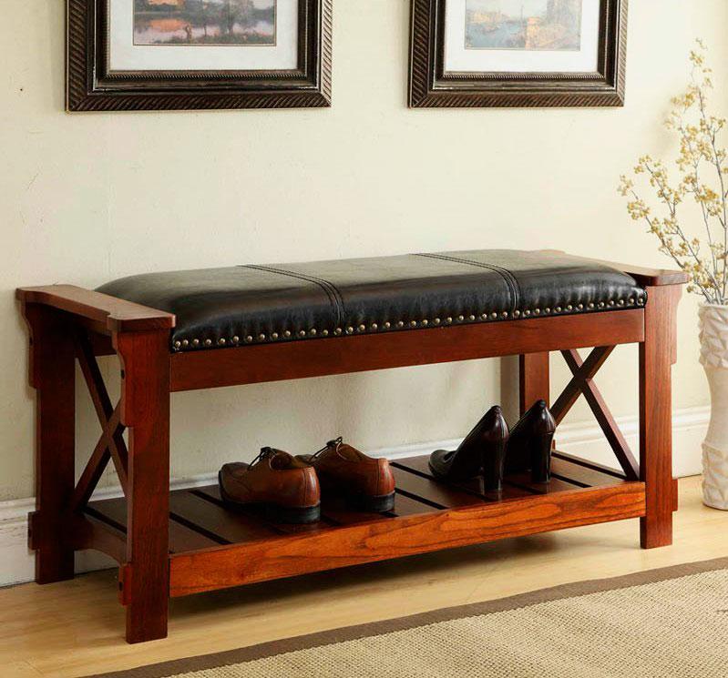 Деревянная обувница с кожаным сидением