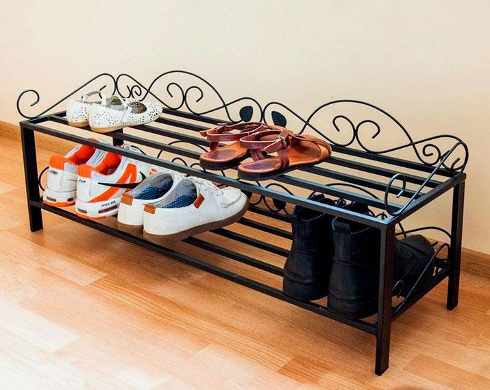 Фото кованой подставки для обуви в прихожую