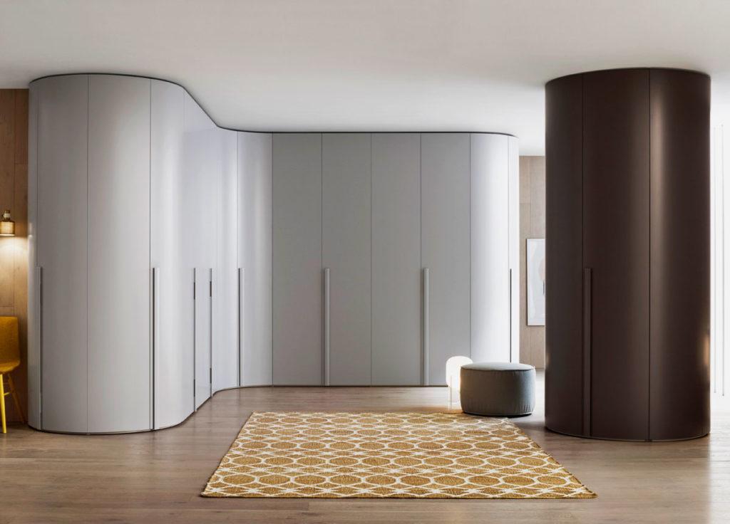 Радиусные шкафы необычной формы в интерьере
