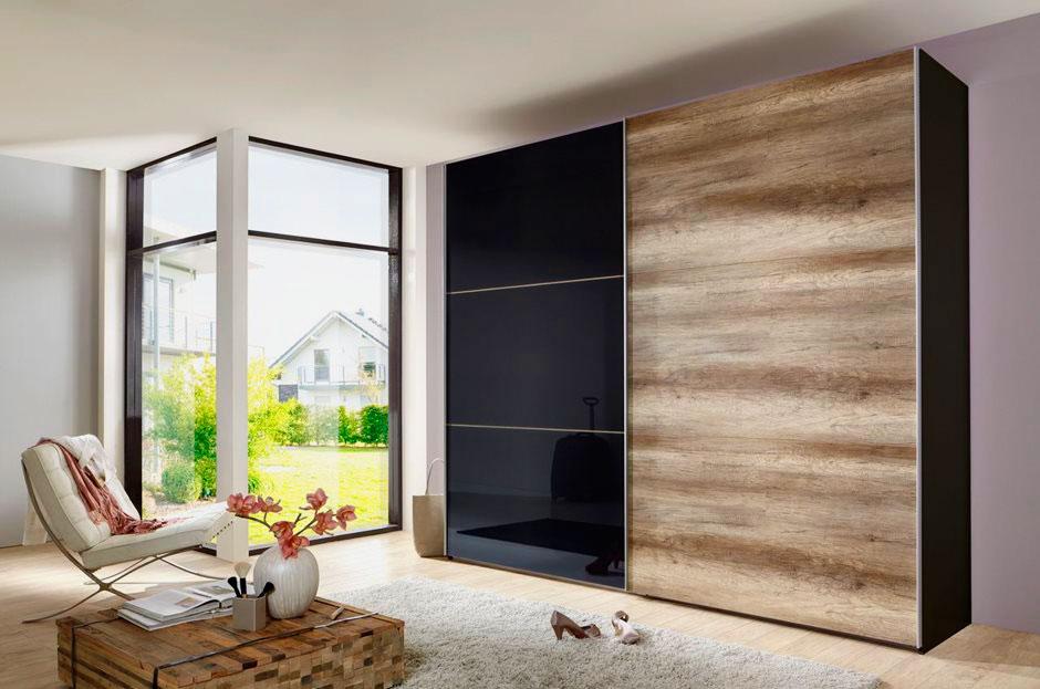 Стильный шкаф-купе с комбинированными дверьми