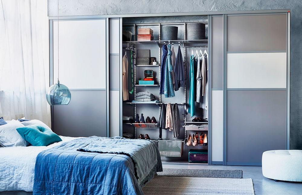 Фото внутреннего наполнения шкафа-купе в спальной комнате