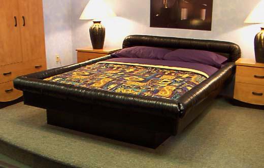 Водяная кровать с мягкой обивкой