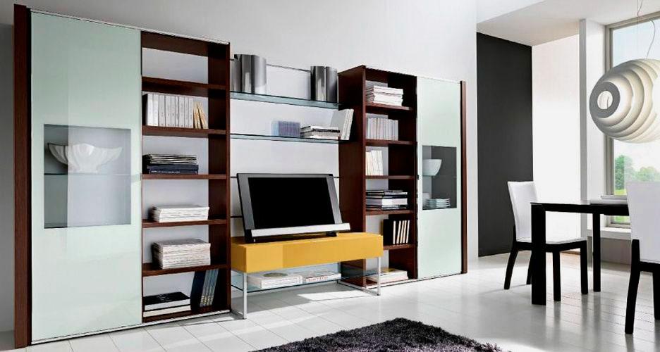 Фото стильного комплекта модульных шкафов в интерьере комнаты