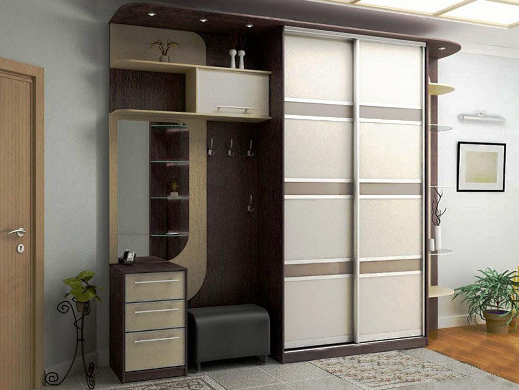шкаф купе для прихожей с вешалкой и зеркалом