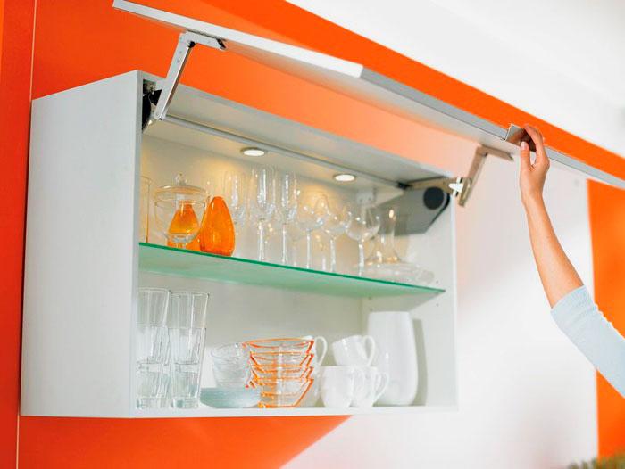 Фото подъёмной системы открытия дверей шкафа