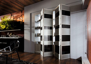 Фото шкафа со складной системой открытия дверей