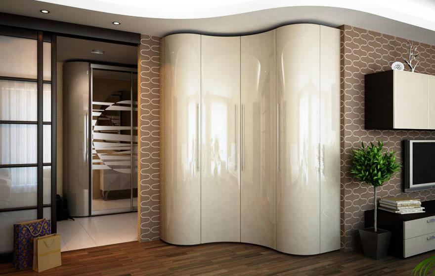 Волнообразный шкаф в коридоре установленный в углу