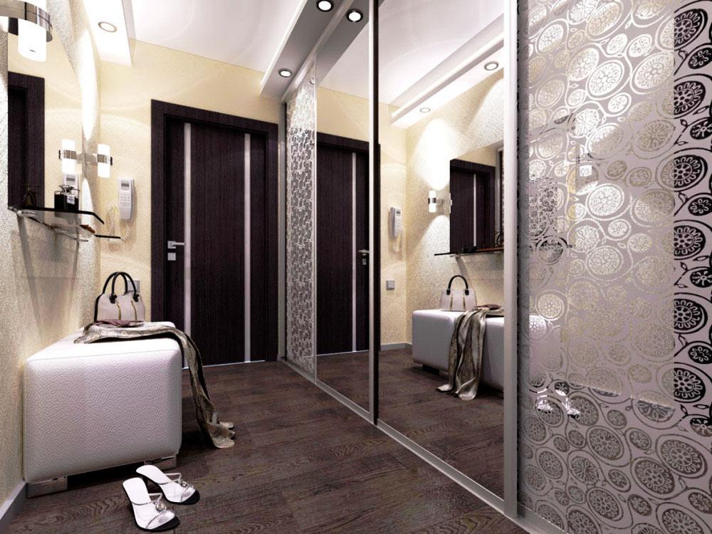 Встроенный шкаф с зеркальными фасадами и раздвижными дверьми в узкой прихожей