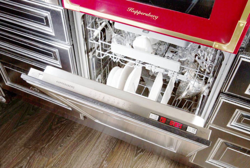 Фото посудомоечной машины встроенной под духовым шкафом
