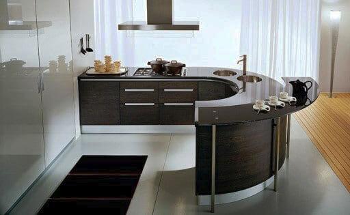 Фото кухонного гарнитура с полуостровом полукруглой формы