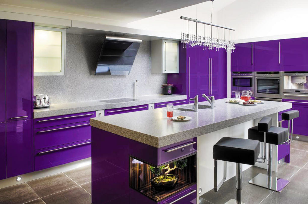 Фото современной кухни с каменной мойкой установленной в кухонном острове