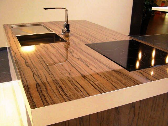 Фото кухонной столешницы с варочной панелью