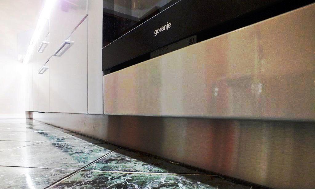 Фото цоколя кухонных шкафов