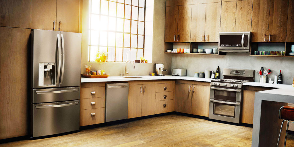 Кухонный гарнитур с каменной столешницей