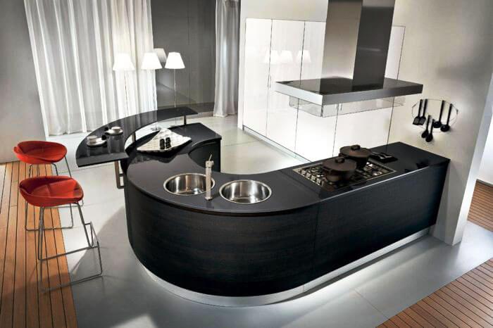 Интерьер кухни без верхних шкафов