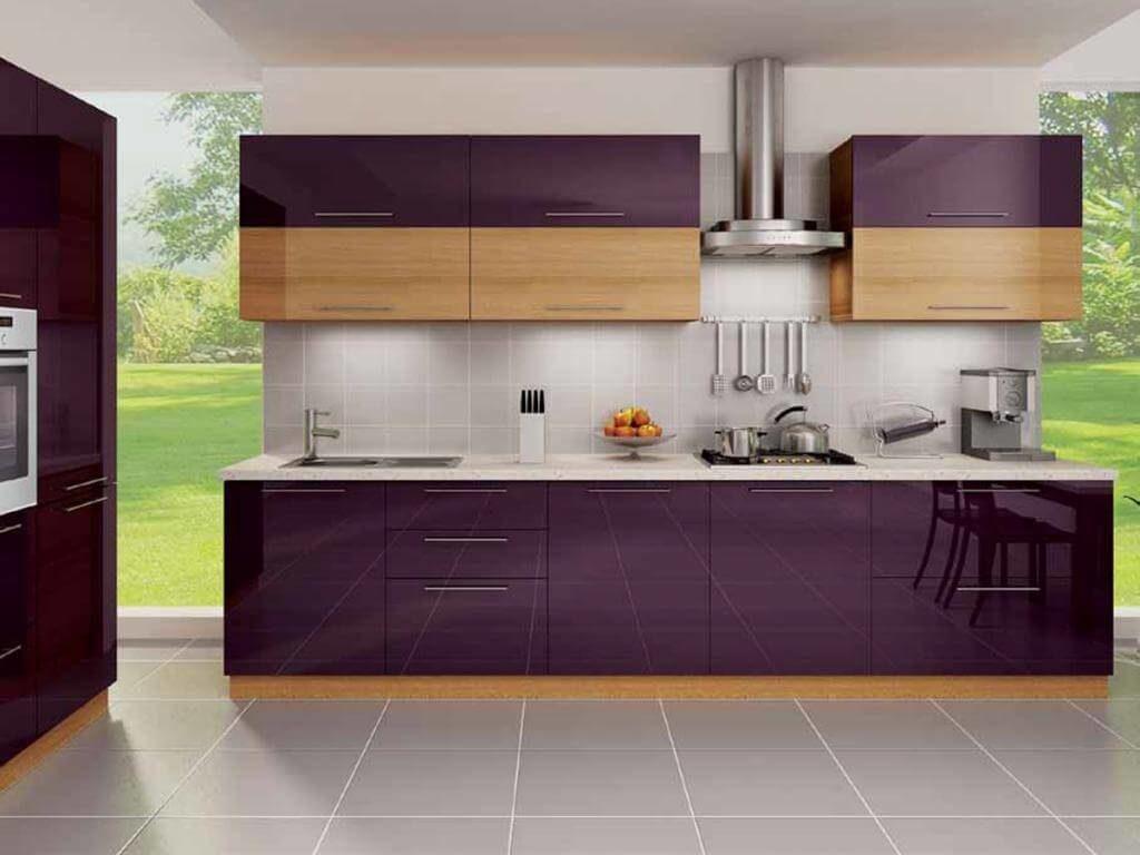 Прямой кухонный гарнитур с глянцевым акриловым фасадом