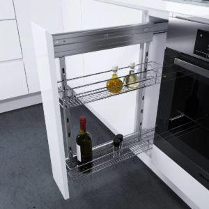 Фото выдвижного кухонного ящика для хранения бутылок