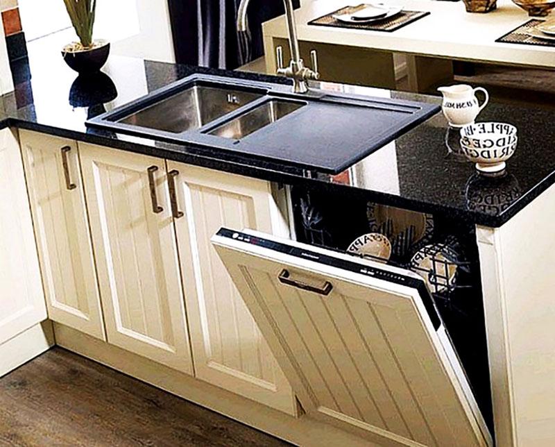Посудомоечная машина скрытая за мебельным фасадом