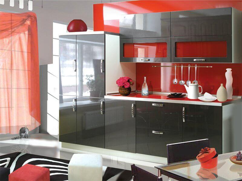 Кухонный гарнитур с крашенным лакированным фасадом
