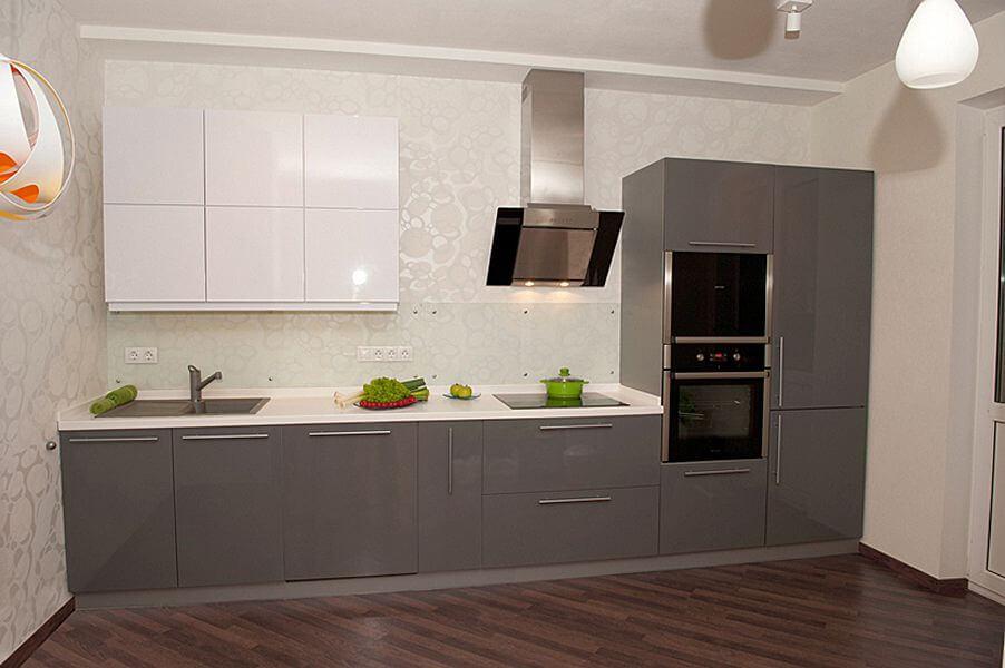 Кухонный гарнитур с лакированным фасадом