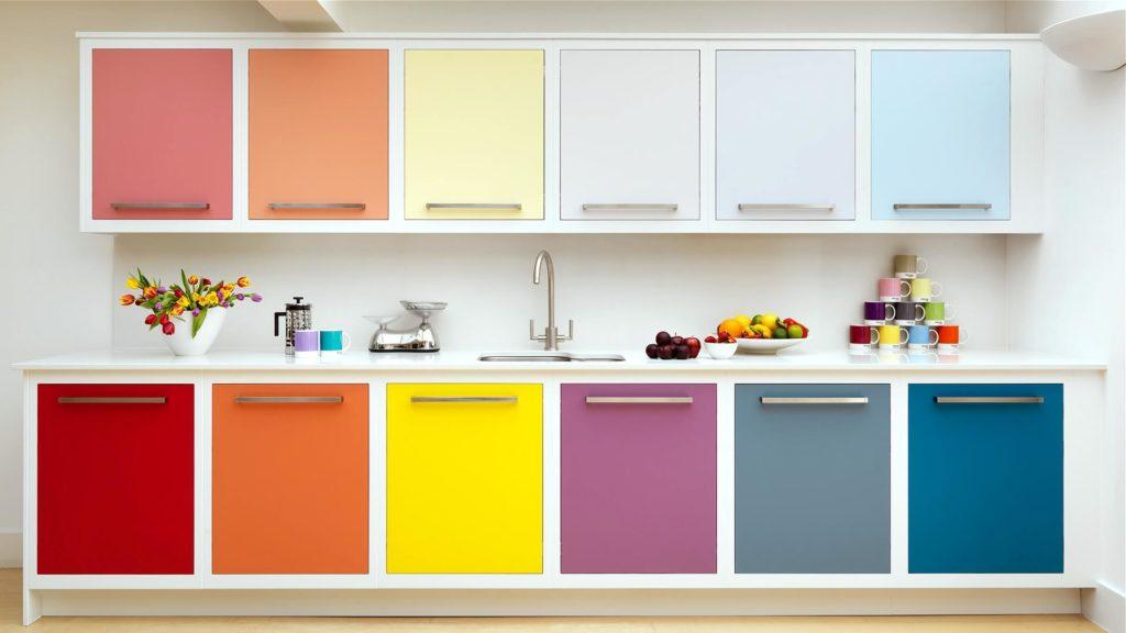 Фото разноцветных крашенных МДФ фасадов для кухни